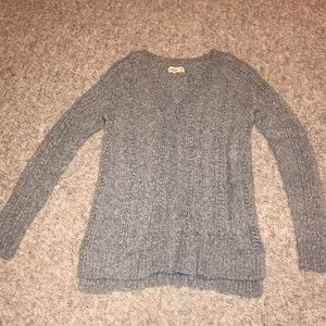 Hollister gray very soft cable knit V-neck sweater